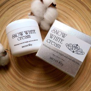 Rozświetlający krem mleczny Secret Key Snow White Cream 1