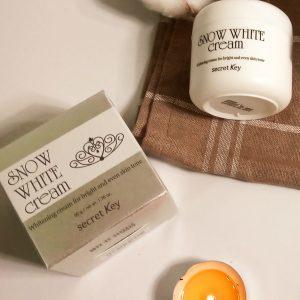 Rozświetlający krem mleczny Secret Key Snow White Cream 3