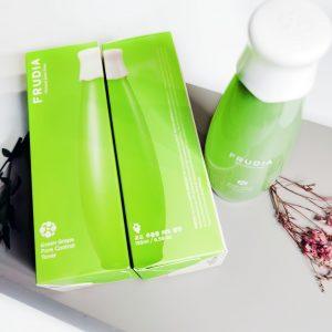 Tonik łojotokowy do twarzy z 89% ekstraktem z zielonych winogron Frudia Green Grape Pore Control Toner 2