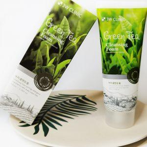 Pianka oczyszczająca poprawiająca koloryt twarzy z ekstraktem zielonej herbaty 3W Clinic Green Tea Foam Cleansing 14