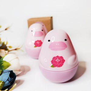 Krem do rąk o zapachu piwonii Etude House Missing U Hand Cream Pink Dolphin 1