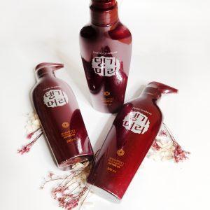 Szampon do włosów zniszczonych Daeng Gi Meo Ri Shampoo For Damaged Hair 13
