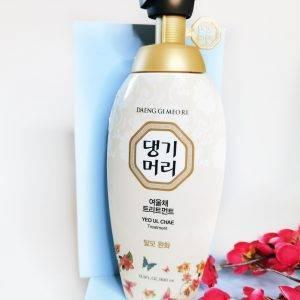 Odzywka do włosów suchych i zniszczonych Daeng Gi Meo Ri Yeo Ul Chae Treatment 1
