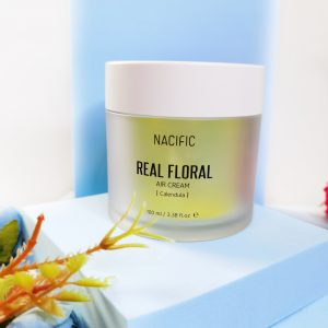 Lekki żel-krem z płatkami nagietka NACIFIC Real Floral Air Cream Calendula 4