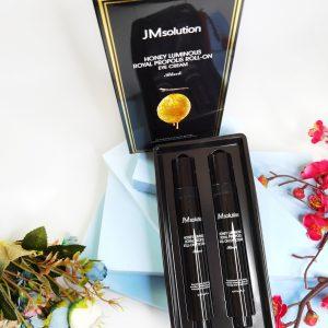 Przeciwzmarszczkowy krem pod oczy z propolisem JM Solution Honey Luminous Royal Propolis Roll-On Eye Cream 4